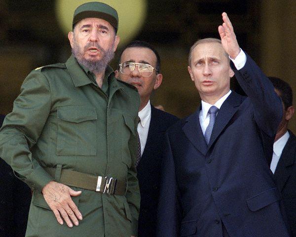 Castro%20et%20Poutine%20en%202000.jpg