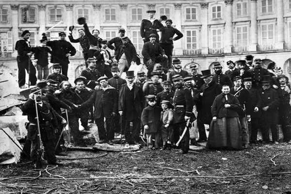 Pierre de Brague - Le cercle Proudhon ou la révolution conservatrice Commune%20de%20Paris