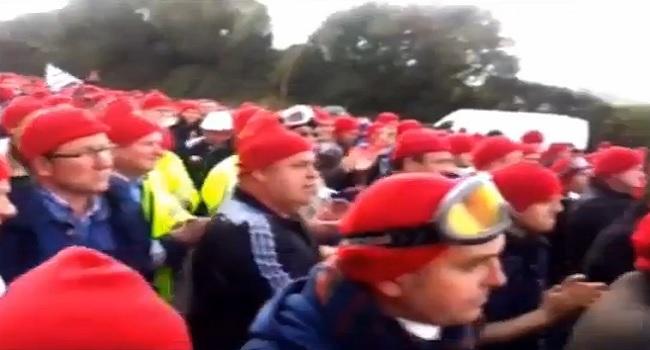 vers-une-revolution-des-bonnets-rouges.jpg